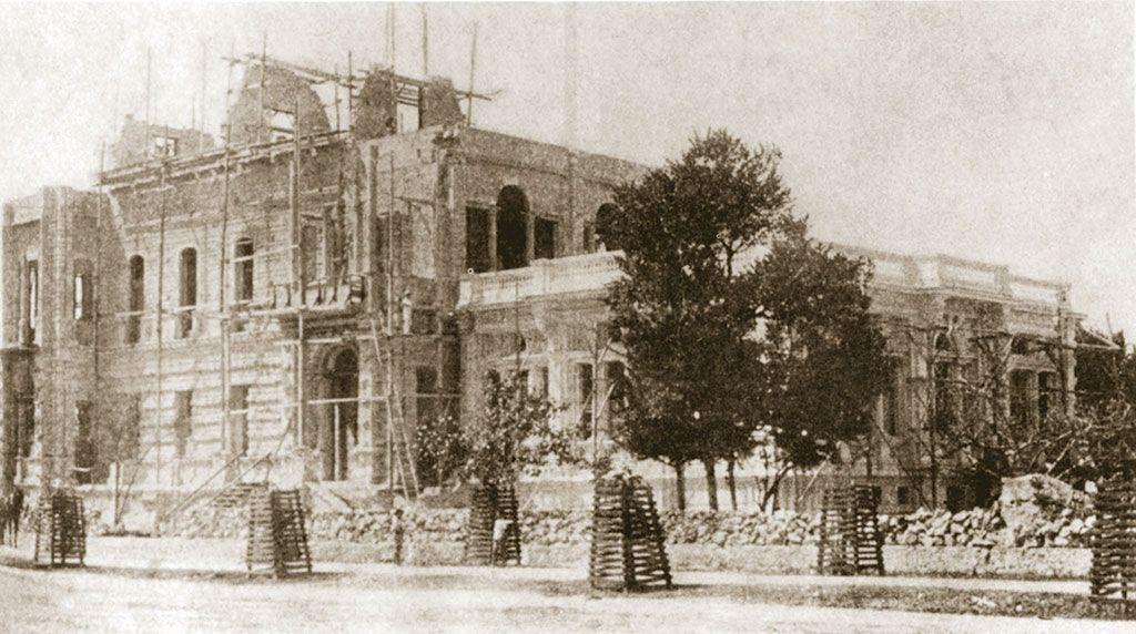 El afrancesamiento: palacio Cantón en construcción.