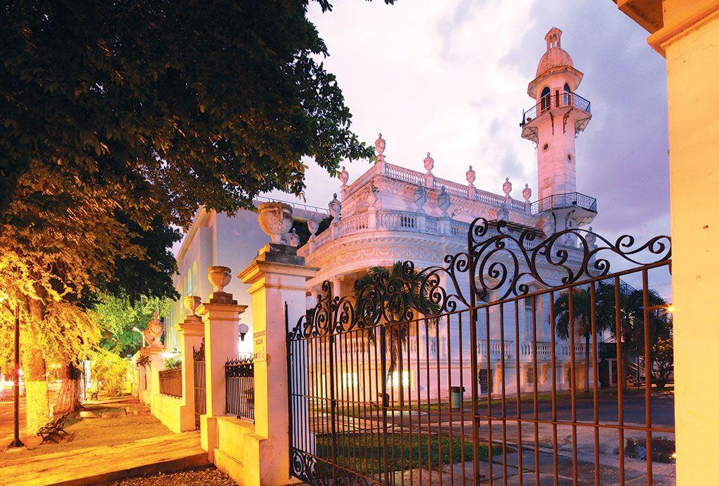 El afrancesamiento: Residencia de Alvaro Medina Ayora. Casa del minarete.