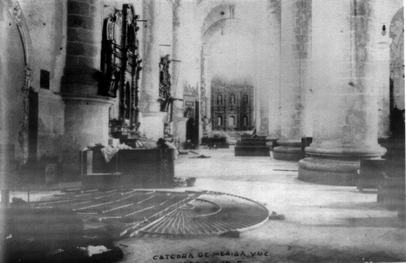 asalto-a-la-catedral-de-merida-yucatan-4