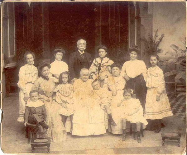 ÁLBUM DE FAMILIA: DON OLEGARIO MOLINA SOLÍS Y SU FAMILIA