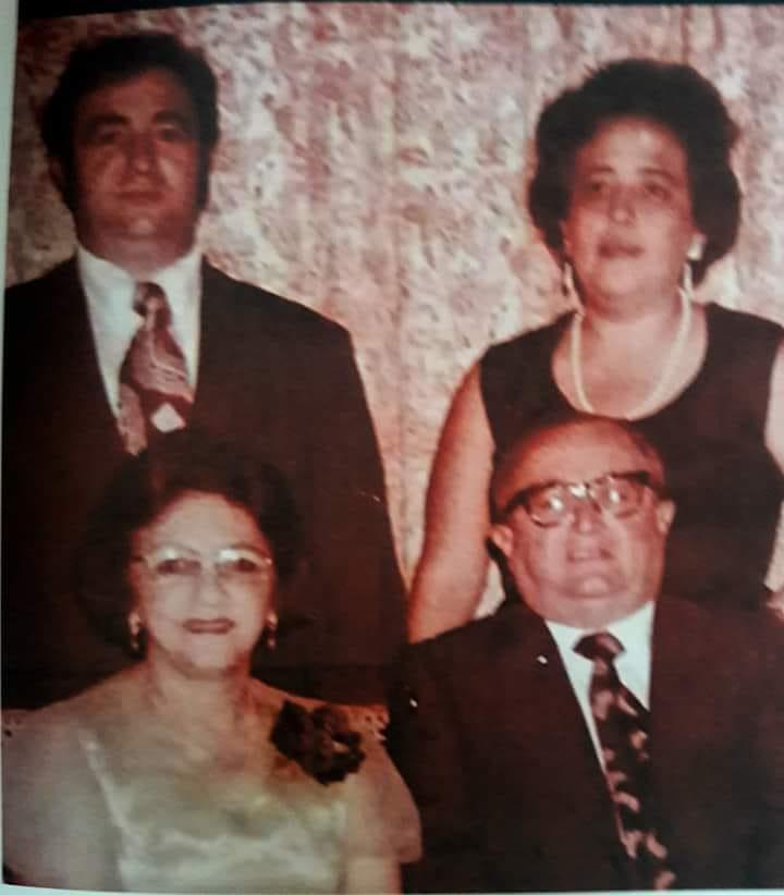 LICENCIADO CARLOS CÁMARA RIVAS  Y SU FAMILIA