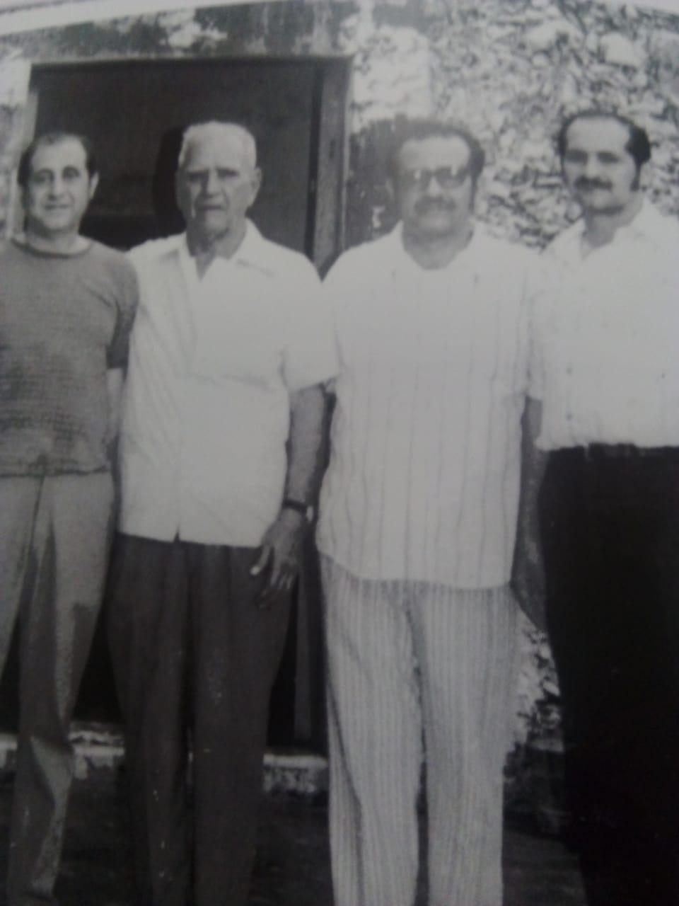 LOS HERMANOS ABRAHAM DAGUER CON SU PADRE DON MASSAD