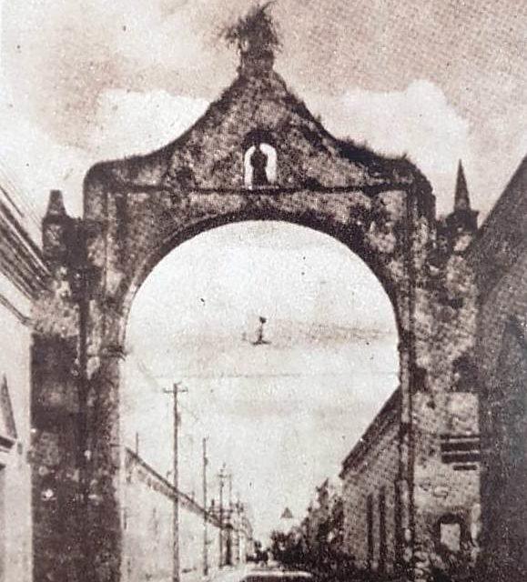 ARCO DE LOS DRAGONES EN DOS TIEMPOS