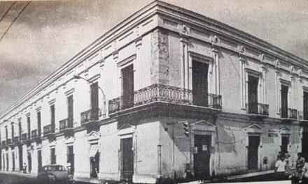 CASA COLONIAL DE LOS REGIL ESPINOSA