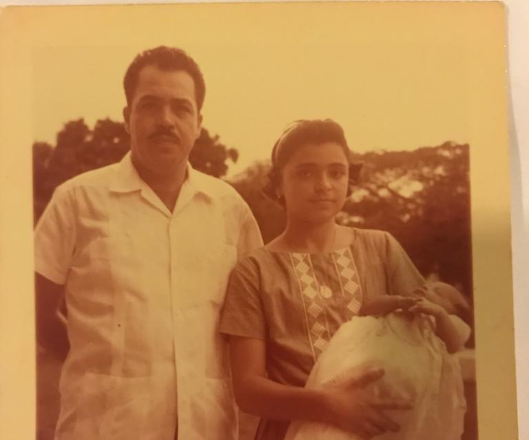 Los padrinos de Eduardo: su tío Eduardo y su hermana Elda Maria Gasque Casares