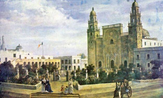 La plaza grande y la catedral de Mérida