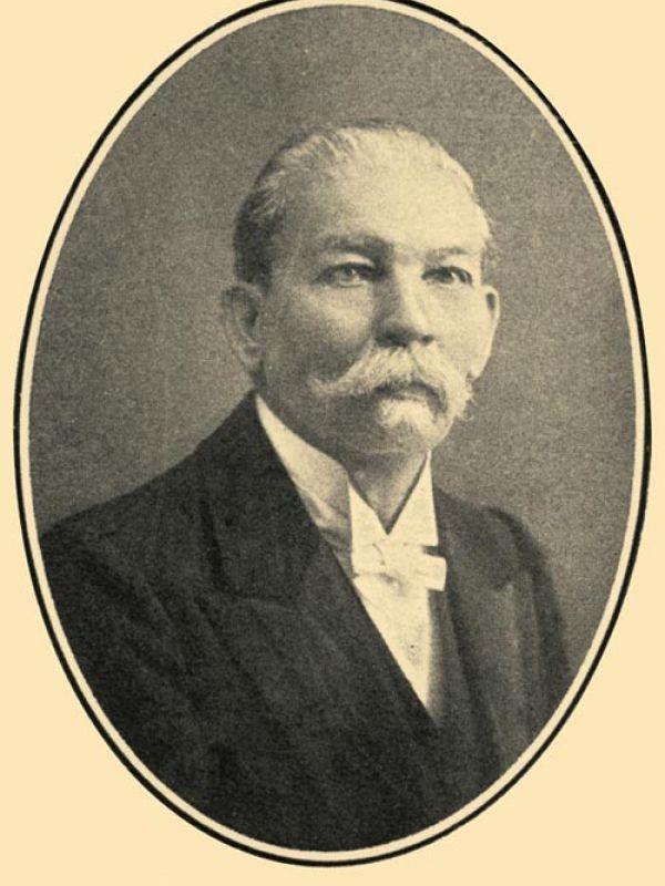 Médicos de Mérida: Dr. Ricardo Sauri Suárez. Padres de la Medicina en Yucatán.