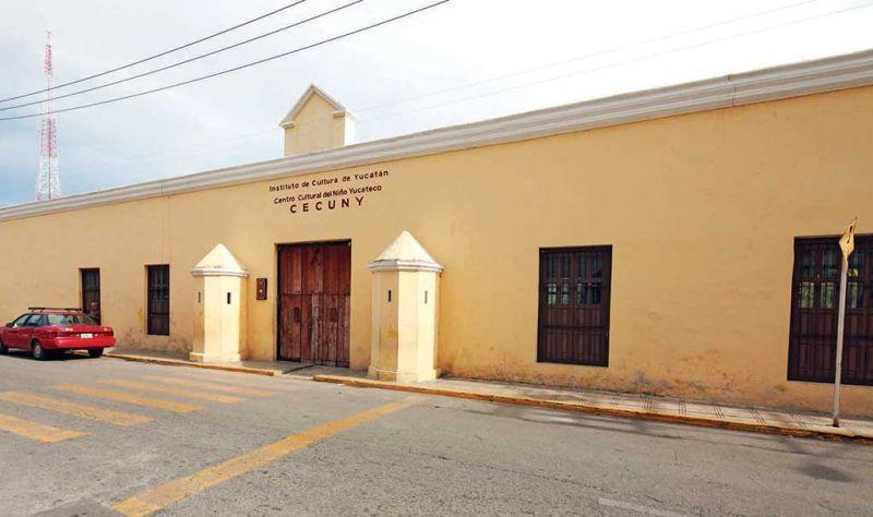 Un paseo por la ciudad de Mérida: Cuartel de Dragones