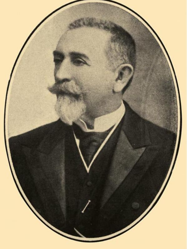 Dr. Augusto Molina