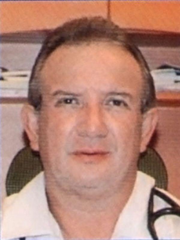 Dr. Manuel de los Reyes Barrera Bustillos